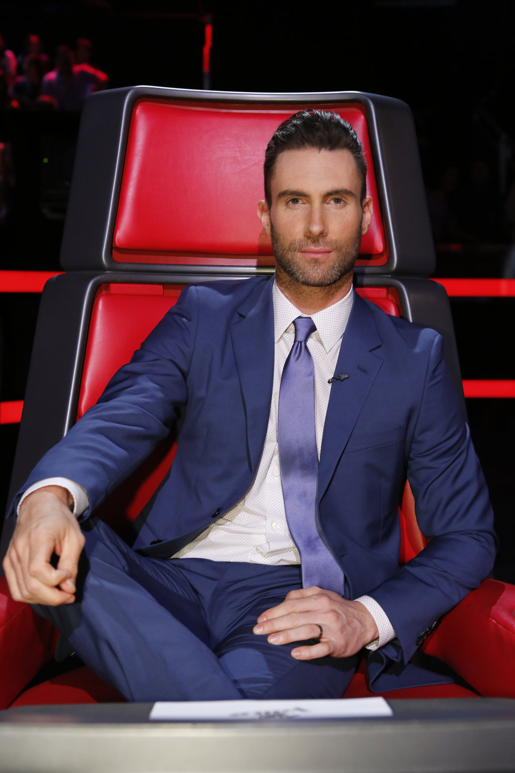 Adam-Levine-The-Voice-2015-Blue-Suit-Picture