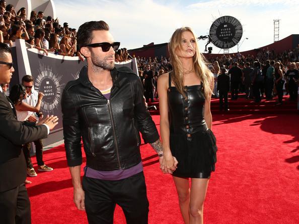 Adam+Levine+Arrivals+MTV+Video+Music+Awards+iU2plVD1ZRzl