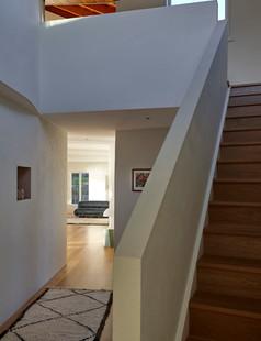 PtChevalierHouse_YHGOct19_Stairs-750x977