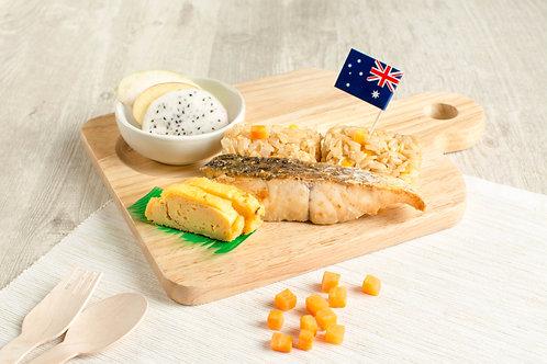 K03 ข้าวผัดปลากะพงย่างซีอิ๊วไข่หวาน Fried Brown Rice with Grilled Barramundi