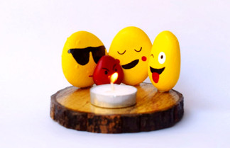 Pebble Work - Candle Stand - Emojis