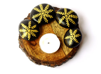 Pebble Work on Wooden Piece - Black & Golden art