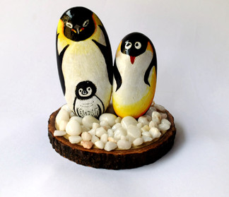 Pebble Art - Penguins family