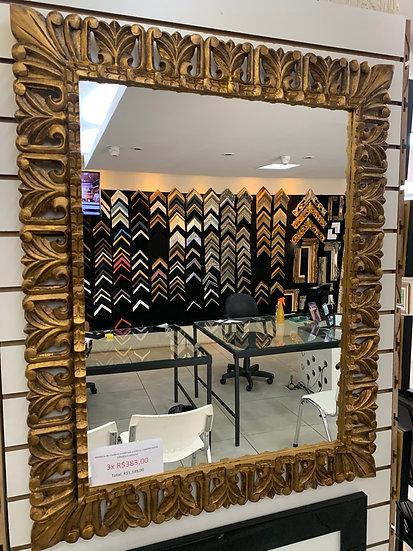 Espelho moldura entalhada