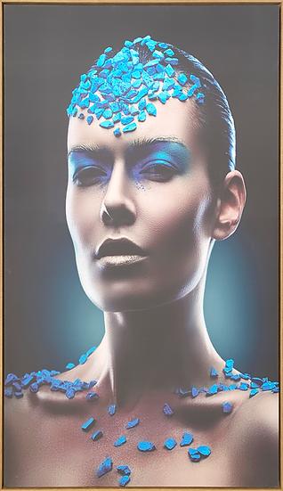 Canvas Mulher com Pedras Azuis - Quadro Pronto