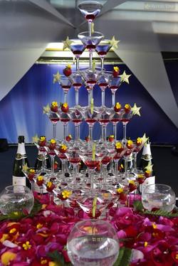 пирамида шампанского на свадьбу