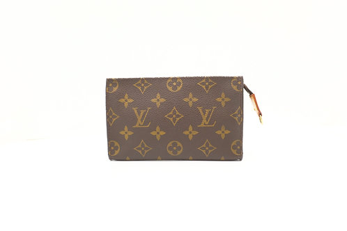 Louis Vuitton Bucket Pouch in Monogram Canvas