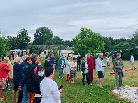Le 20 juin, Shenten Dargye Ling a accueilli des visiteurs locaux
