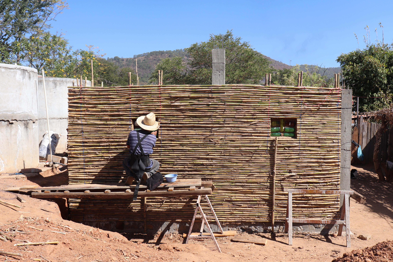 3. señor construyendo