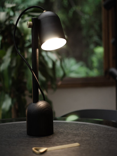 Lámpara de mesa CTR02 Black Edition