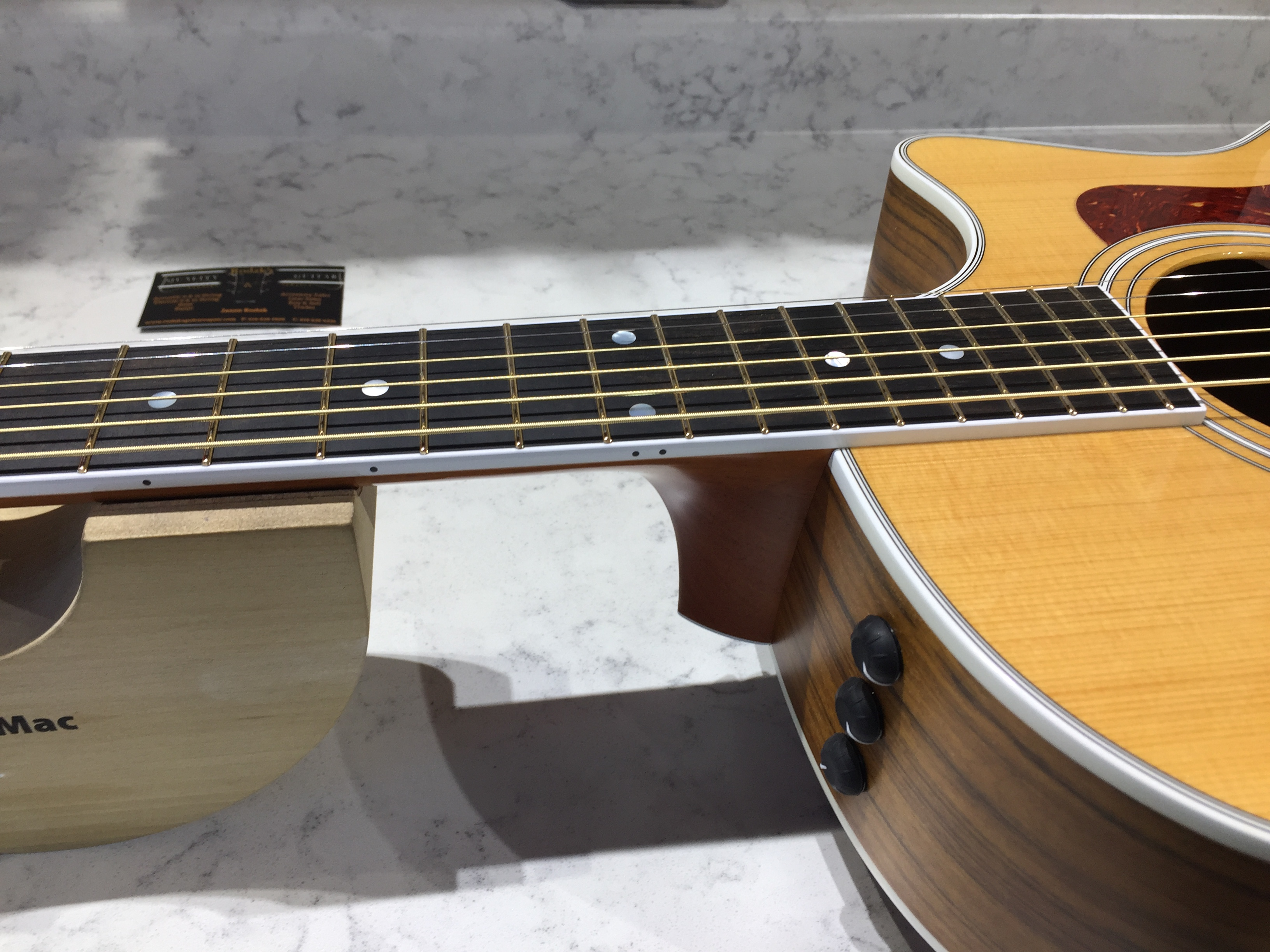 Evo Gold Frets, Taylor 414ce
