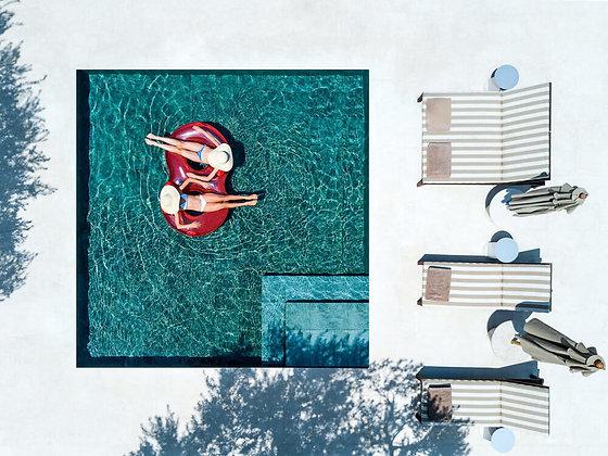 Fotografía Pool For Two