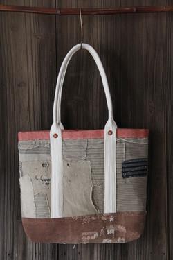 japanese sashiko stitched boro bag
