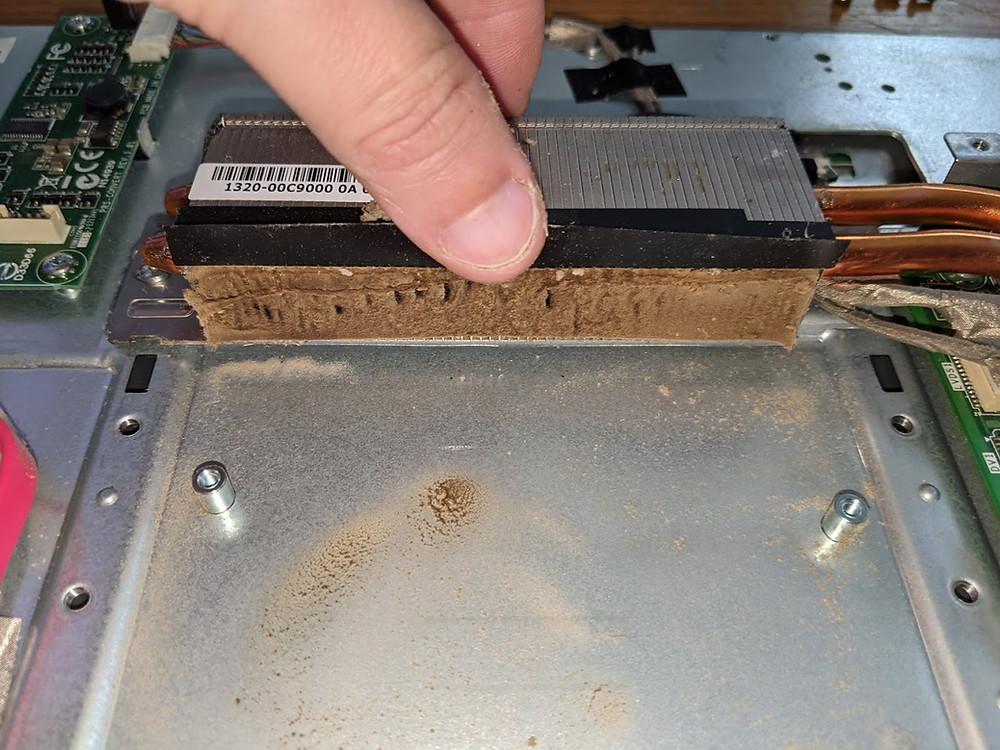 Laptop Heatsink blocked with dust