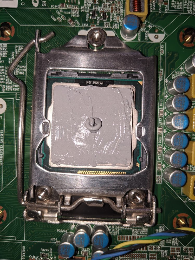 Thermal Paste Application to CPU