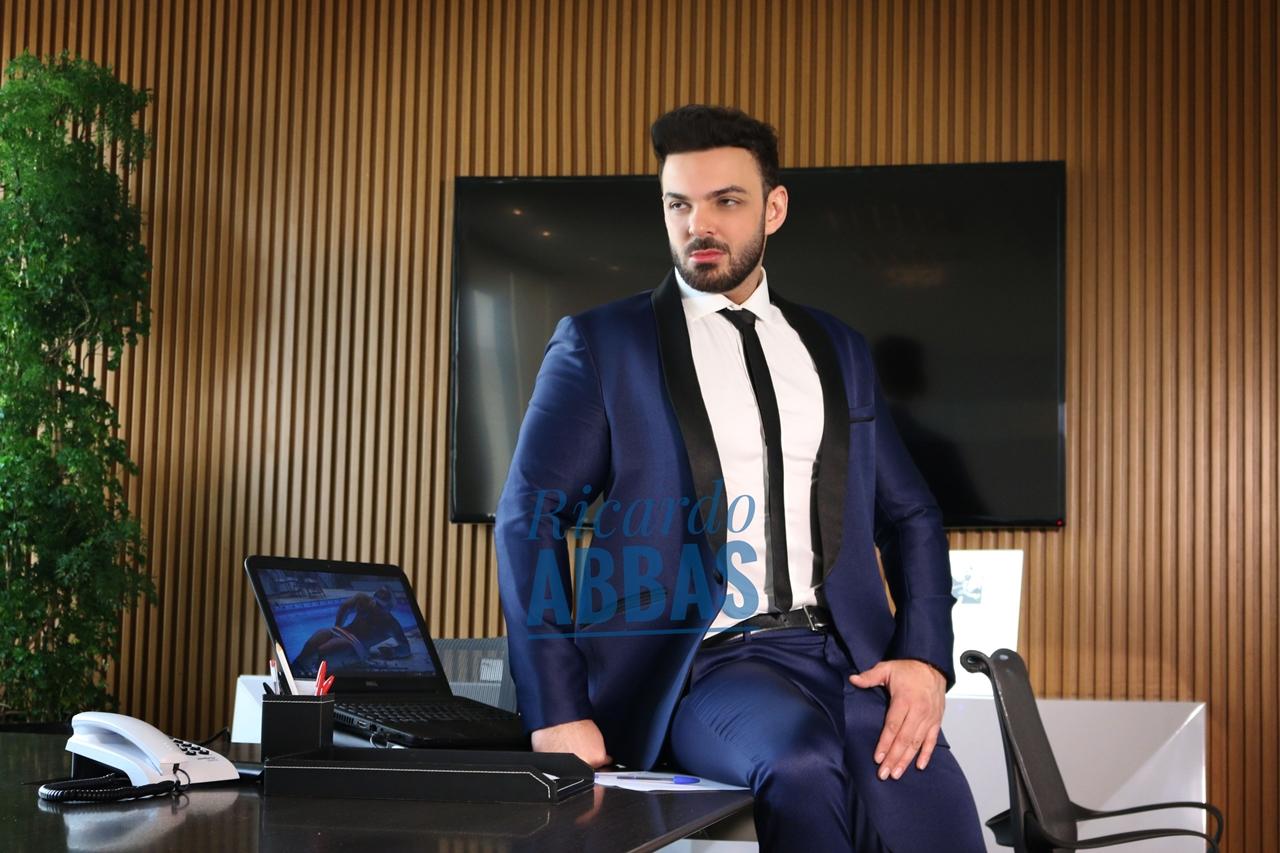 Ricardo Abbas - O executivo casado - 4