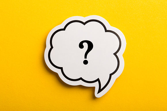 Question mark speech bubble isolated on yellow background..jpg