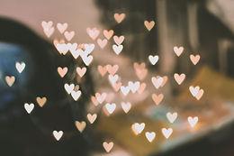 """Love is all""  - Saint-Valentin en Gares"