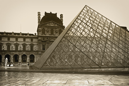 Day 3 DSC_1268 Louvre outside v2 small.j