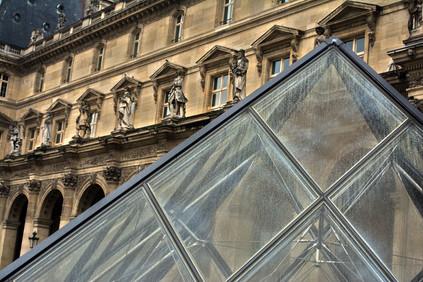 VRippey DSC_1274 Louvre Triangle small.j