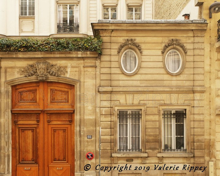 Paris building with roof terrace small.j