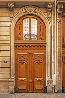 VRippey Brown French Doors near Musee d'