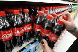 """Coca-Cola Personalizes Labels & Approves Racist Messages, """"BLM"""" Not Allowed"""