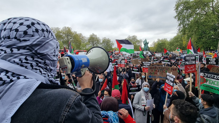 Thousands attend protest in solidarity with Palestine