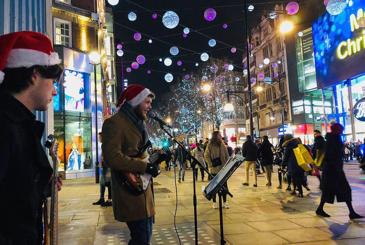 Buskers Brighten Up London