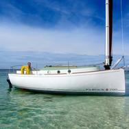 Cat-boat à ballast vu de côté