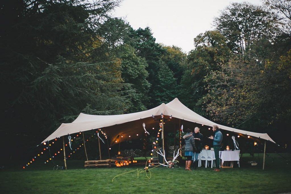 A la garden party des mariés