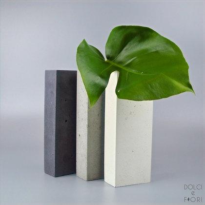 0434 ваза бетонная