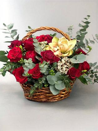 0352 корзина с цветами