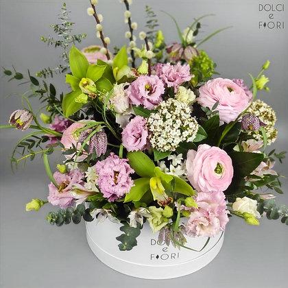 0437 цветы в коробке