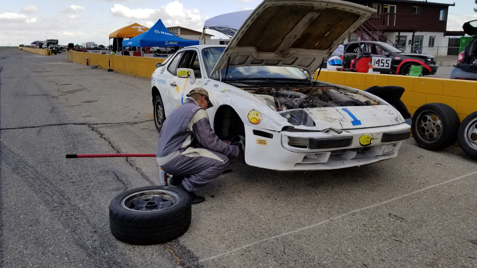 Mike prepping the Porsche