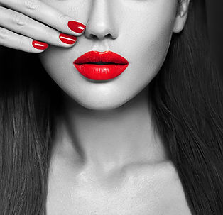 pink-sexy-lips-nails-closeup-open-mouth-