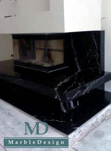 Каминный портал из мрамора Неро Марквина