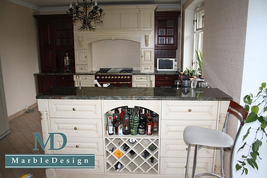 Кухонные столешницы из мрамора Бидасар Грин