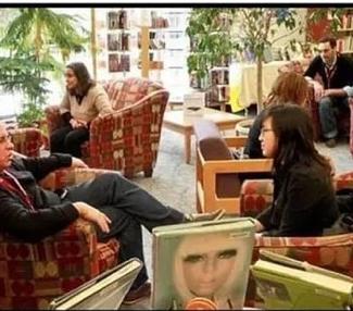 El PSOE pide una Biblioteca Humana en la Biblioteca Municipal