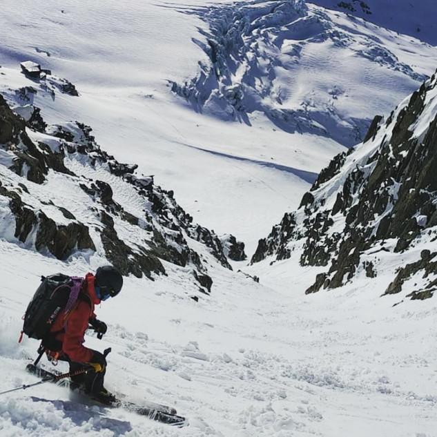 guide de haute montagne-ski- ski de randonnée- alpinisme- annecy- peisey- vallandry-chamonix-pentes raide- alpinisme