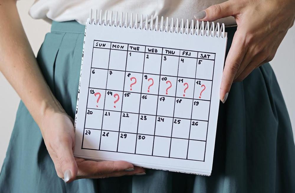 girl holding calendar