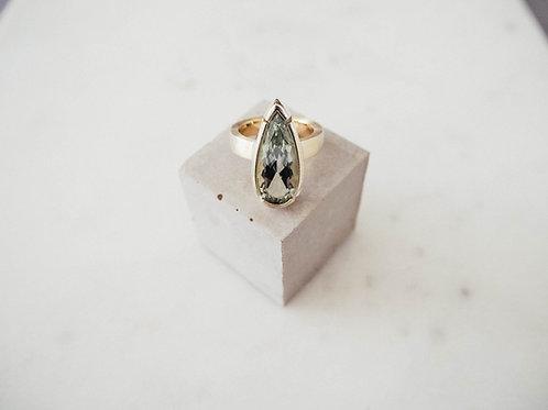 Vergoldeter Ring mit Prasiolith