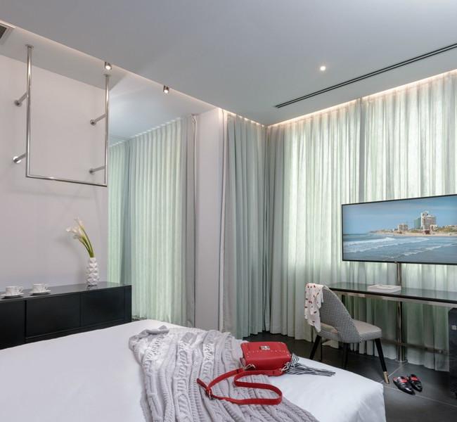 NYX-her-executive-room-2-72-dpi.jpg