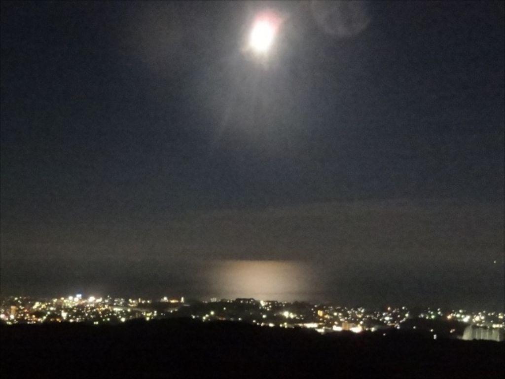 0927夜の海にのびるMoonRoad1.jpg
