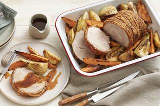Pork & vegetable roast with apple sauce