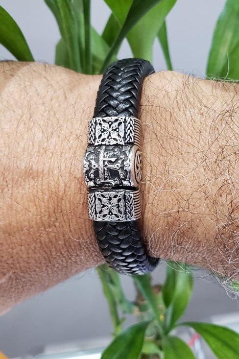 #1316 - Է Echmiadzin Leather Magnet Silver