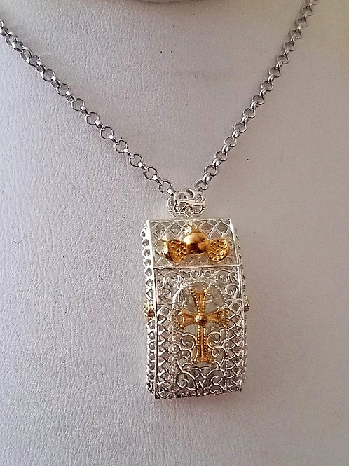 #1326 - Noor Silver Two-tone Pendant with Chain