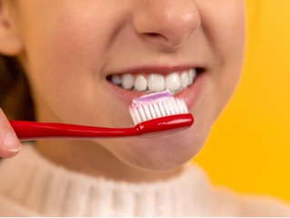 What should a Good Toothpaste Contain?