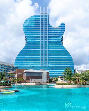 The Guitar Hotel Lagoon
