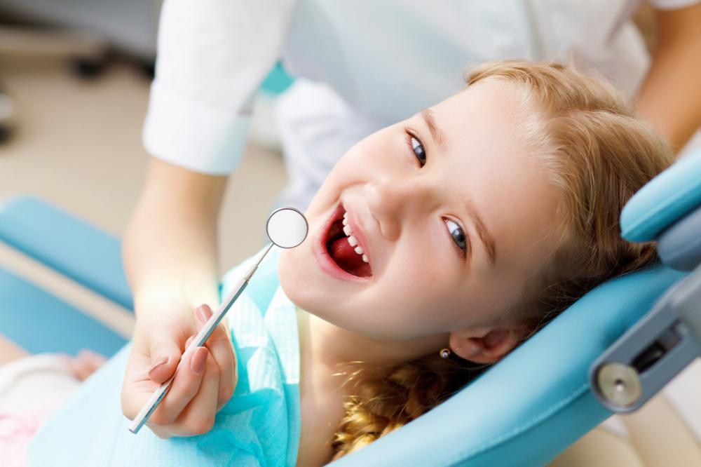 little girl visiting dentist